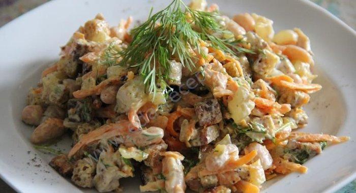 Салат с курицей и грибами и фасолью рецепт с