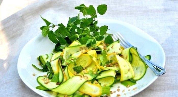 Салат из свежих кабачков рецепты с