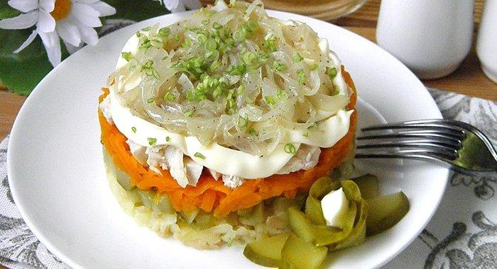 Быстрый слоеный салат