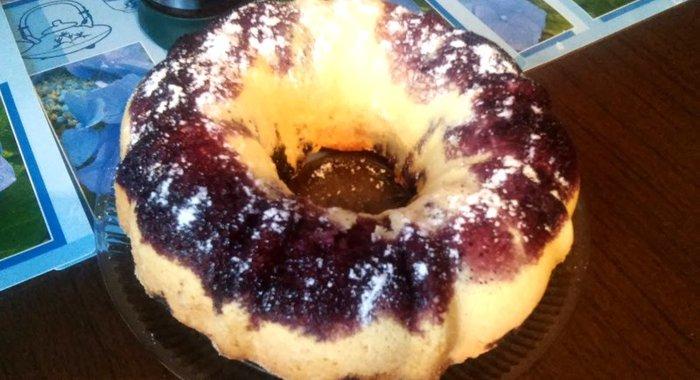Рецепт шарлотки с черникой в духовке