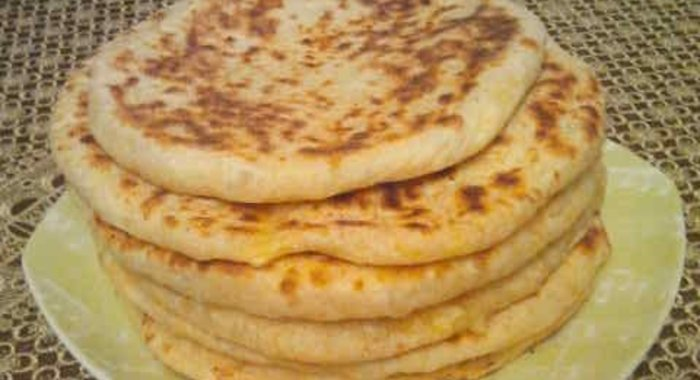 Хачапури с сыром с фото на сковороде с кефиром