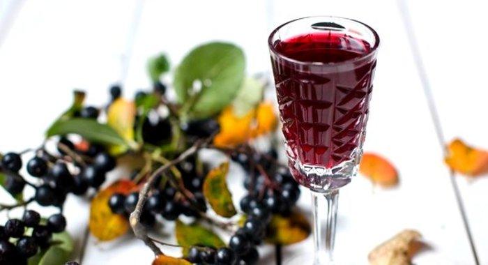 Вино в домашних условиях из черноплодной рябины