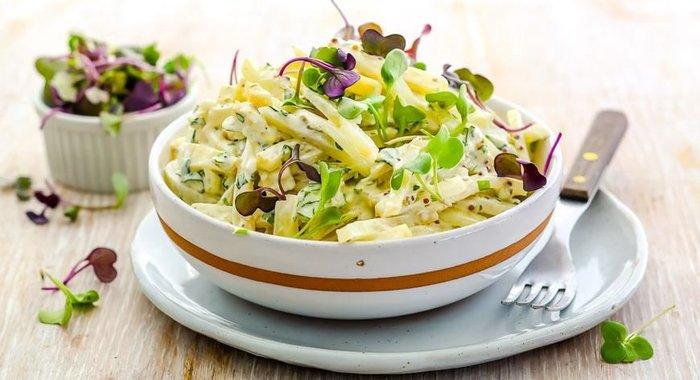 Как приготовить салат с корнем сельдерея