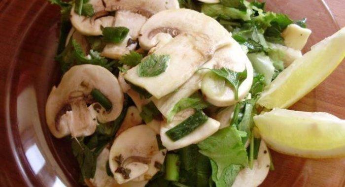 Салат из свежих шампиньонов с фото