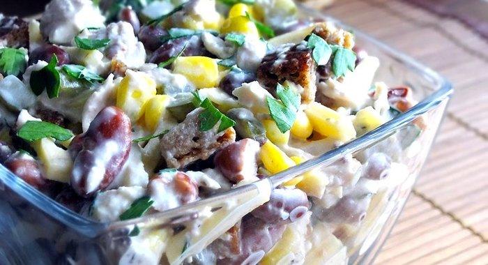 Салат из курицы фасоли
