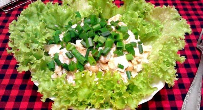 Салат с фасолью и кириешками рецепт пошагово