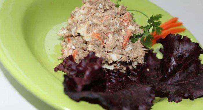 Салат со свиной печенью и