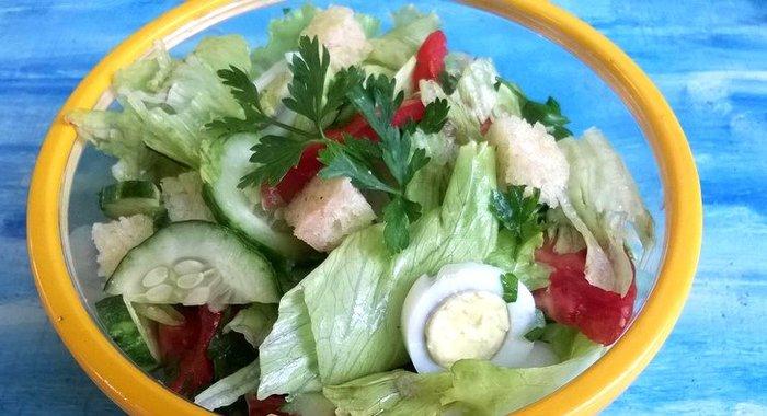 салат с мясом и айсбергом фото