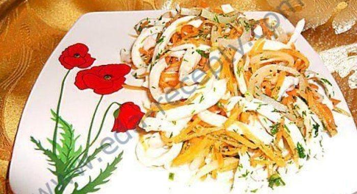 Рецепт салата из кальмаров лук морковь