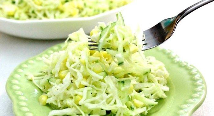 Простые салаты из капусты и яблока