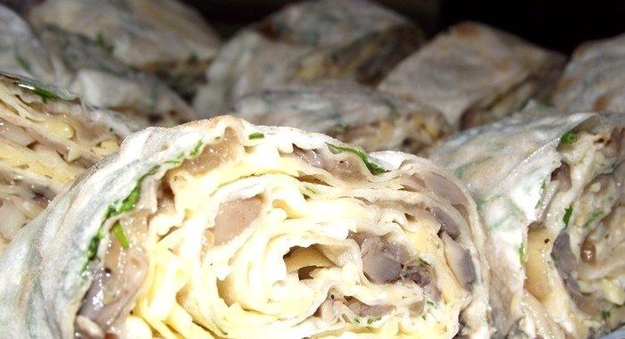 Рулет из лаваша с грибами рецепт пошаговый