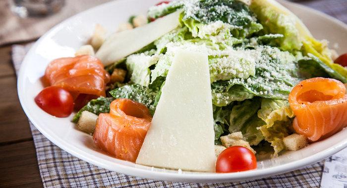 Салат с семгой рецепт классический