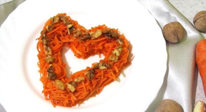 Корейская морковка с грецкими орехами