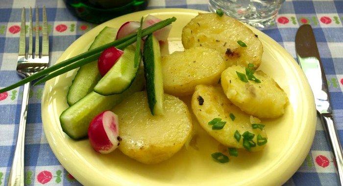 Картошка тушеная сковороде рецепты с фото