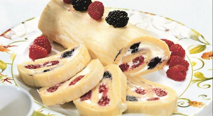 Рецепт рулета с ягодами
