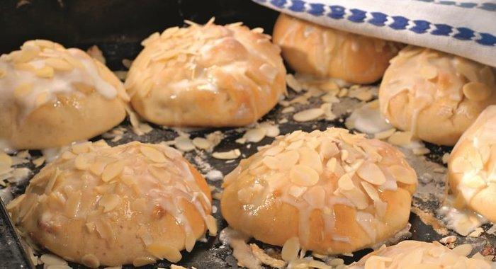 Пирожки со сливами рецепт с фото пошагово