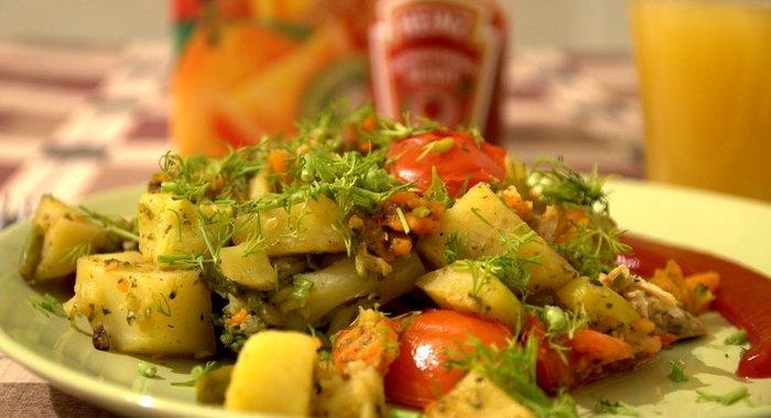 тушить картошку с кабачком и баклажаном и курицей учащихся