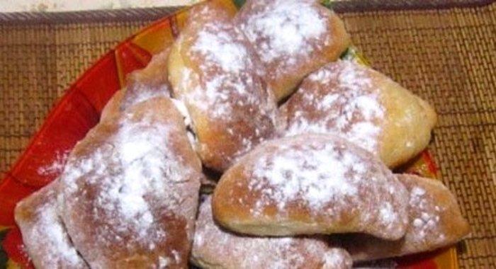 Вкусные пирожки с повидлом в духовке