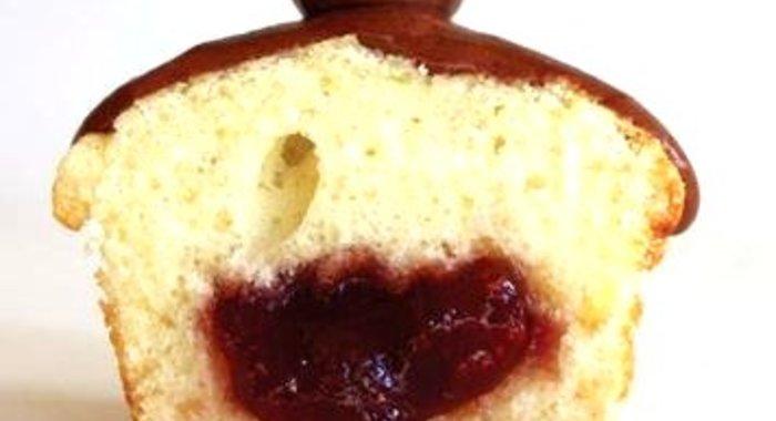 Кекс с клубничным вареньем рецепт с фото