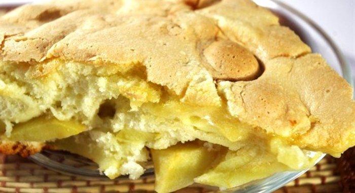 Пирог на скорую руку на молоке с пошагово