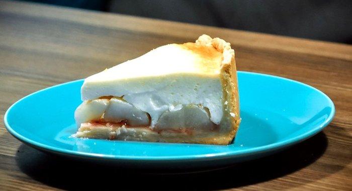 Пирог с грушами в духовке простой