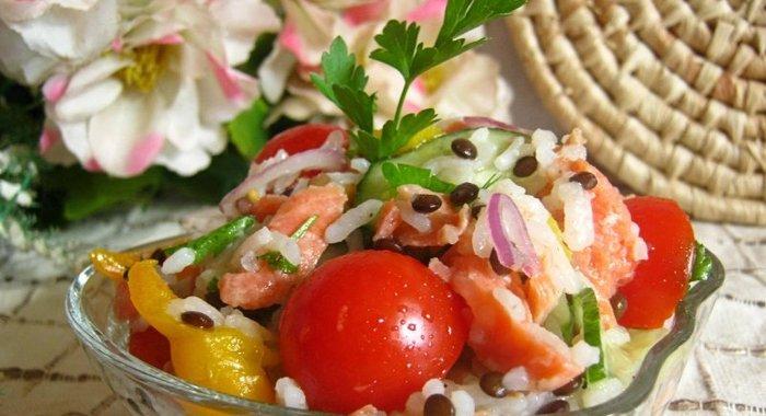 Салат с семги с рисом