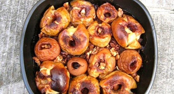 Рецепты печеных яблок с орехами
