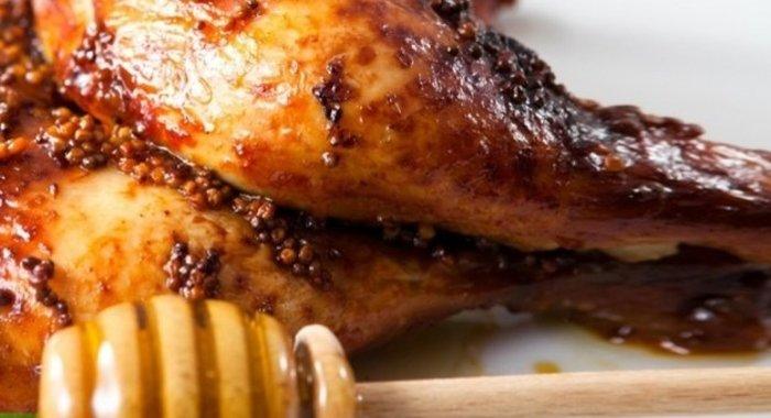 Куриная грудка в медово-розмариновом маринаде.