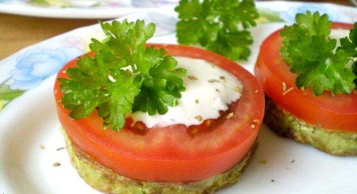 Приготовить кабачки с чесноком и помидорами рецепт